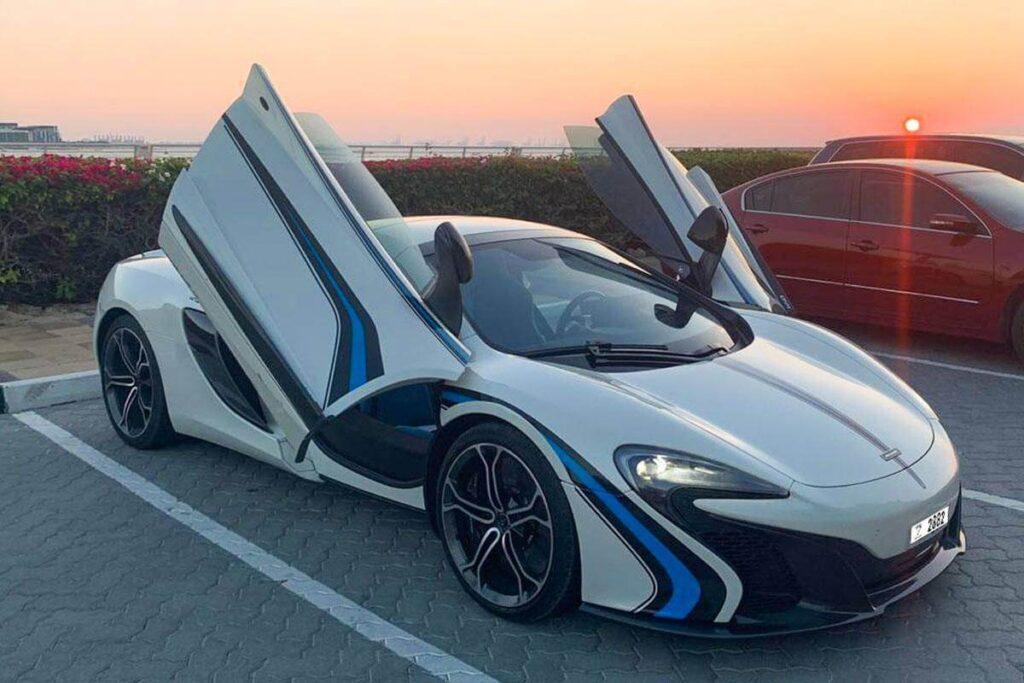 McLaren White For Rent In Dubai
