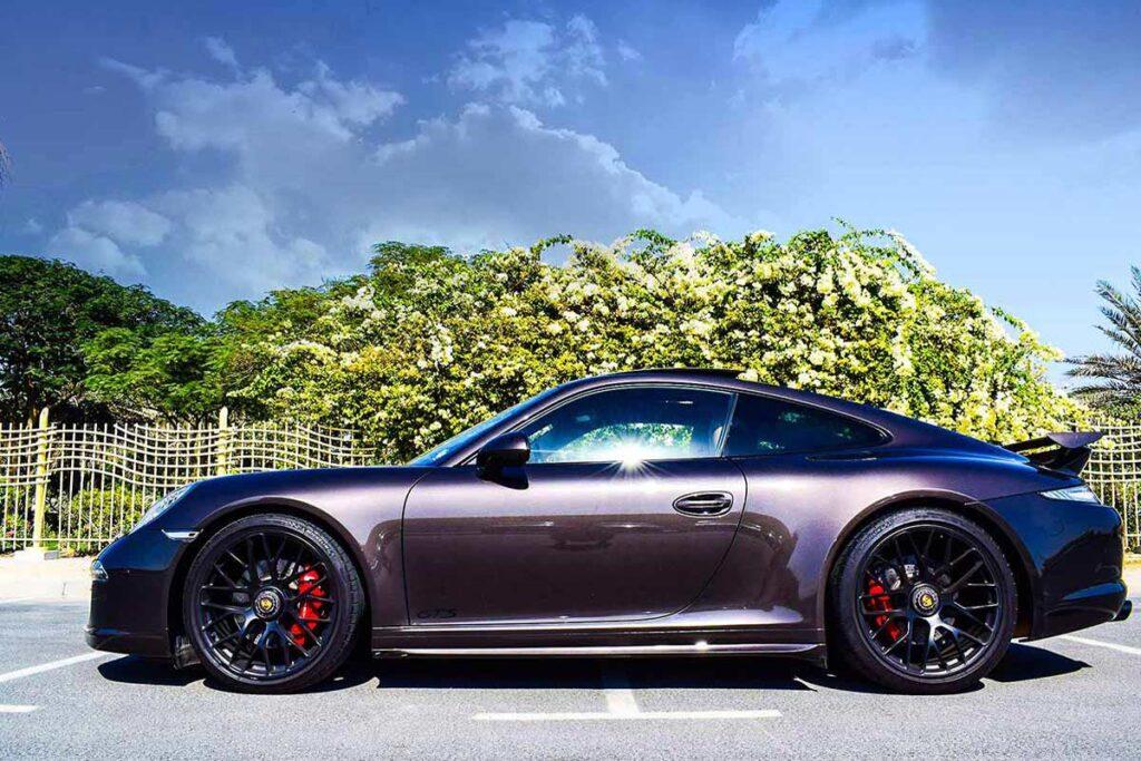 Porsche Carrera 911 4 GTS For Rent in Dubai